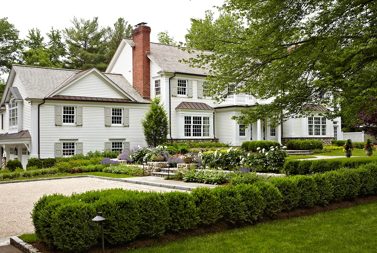 The LaurelRock Company - Residential Landscaping in CT - Hollow Tree Ridge - Driveway and Entry Landscaping